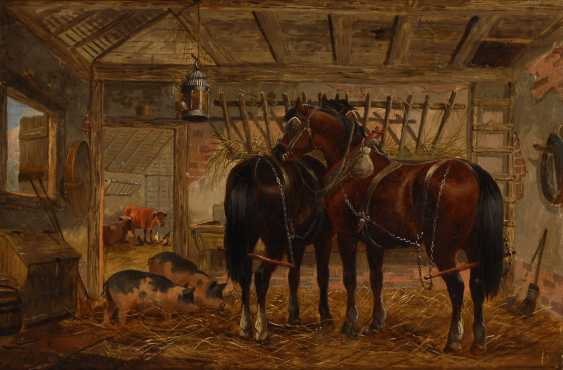 DUNINGTON, Alber depth: horses and pigs in the barn. - photo 1