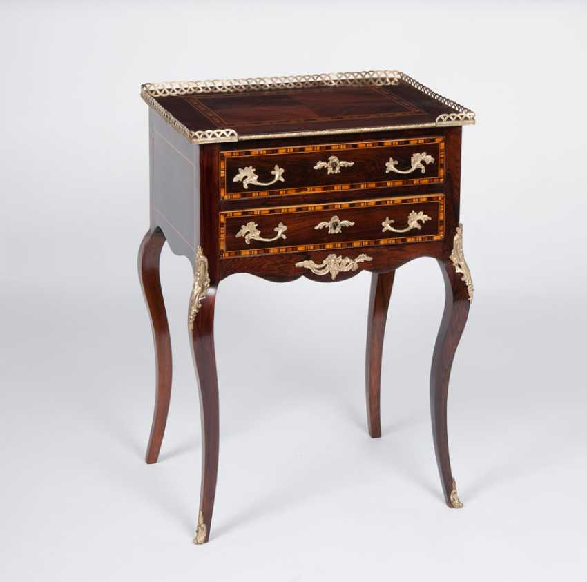 """""""Small side chest of drawers in the Louis XV style"""" - photo 1"""