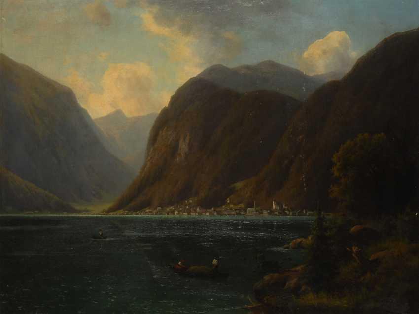 MonogrammisTiefe: Gebirgssee in den Alpen. - Foto 1
