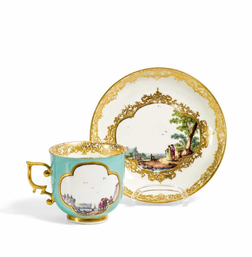 Cup and saucer with genre scenes - photo 1
