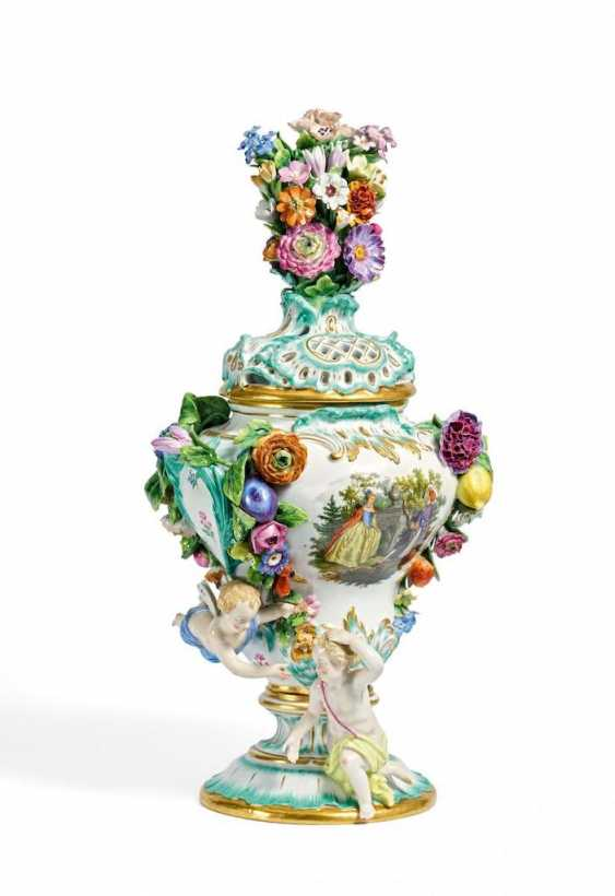 Potpourri vase with cherubs - photo 1