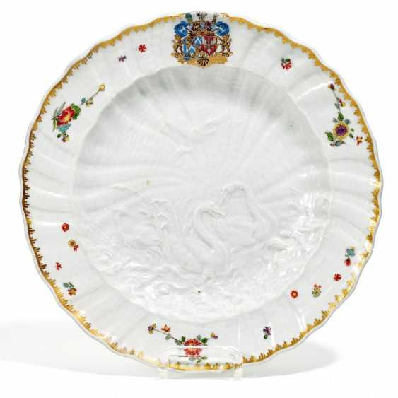 Dinner plate from the Swan service for count Heinrich von Brühl - photo 1