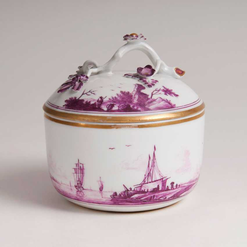 """Lidded box with landscape painting in purple Camaieu"" - photo 1"