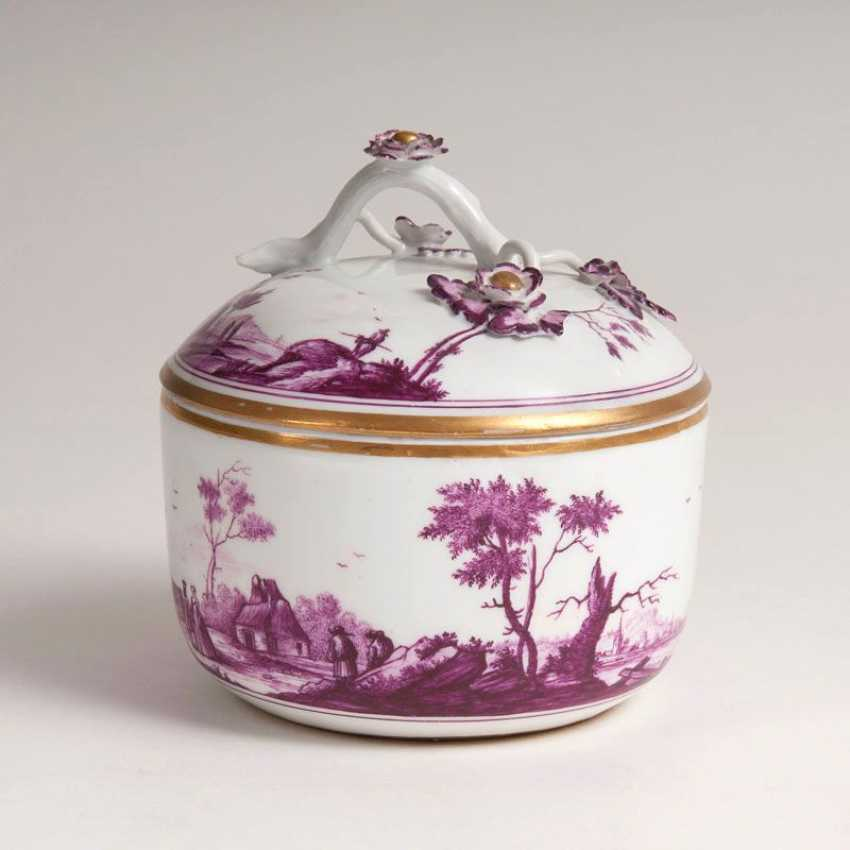 """Lidded box with landscape painting in purple Camaieu"" - photo 2"