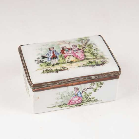 """Emaille-Snuff-box mit Watteau-Malerei - photo 1"