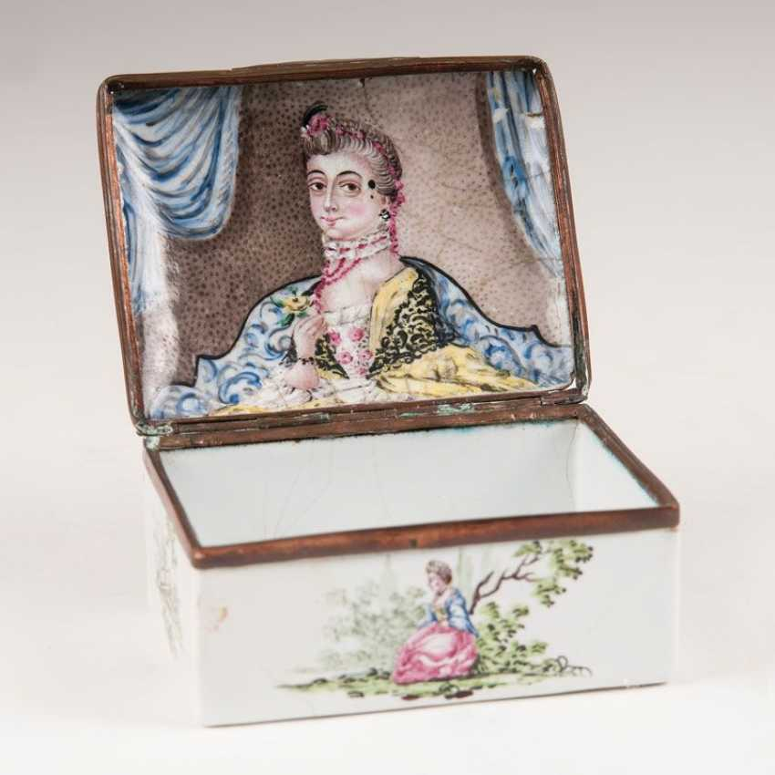 """Emaille-Snuff-box mit Watteau-Malerei - photo 2"