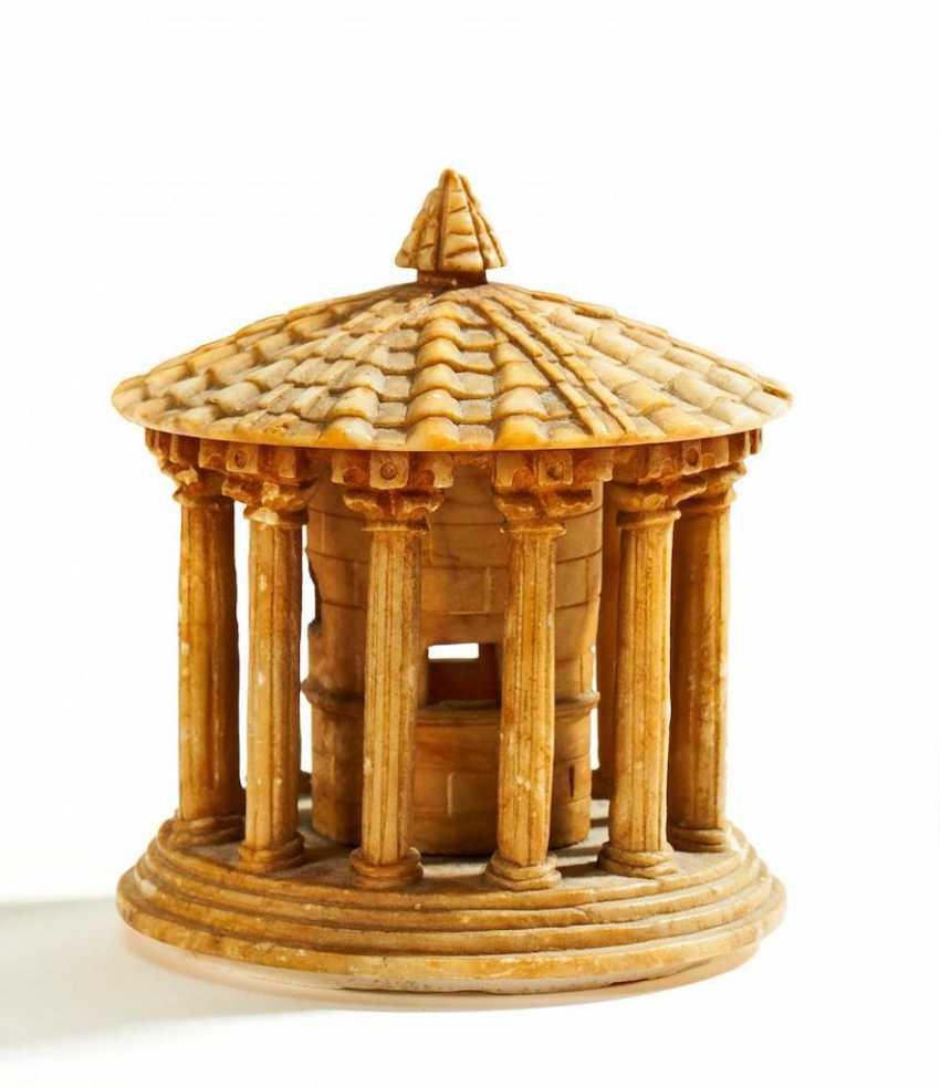 Modell des Hercules Victor-Tempels - photo 1