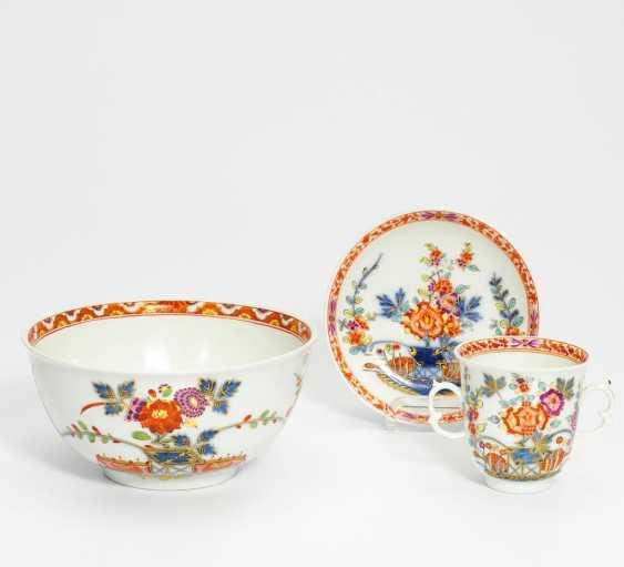 Kumme, Tasse und UT mit Tischchenmuster - Foto 1