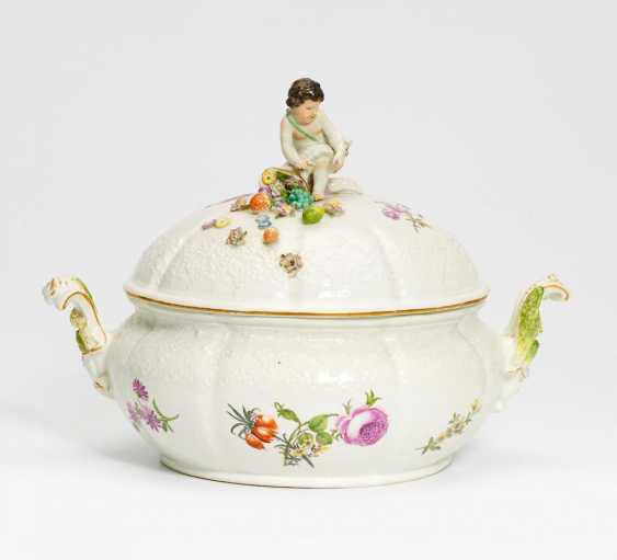 Tureen with Putto - photo 1