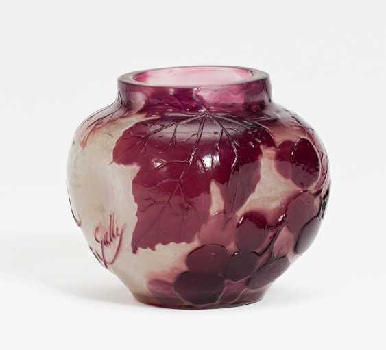 Miniaturvase mit Weinranken - Foto 1