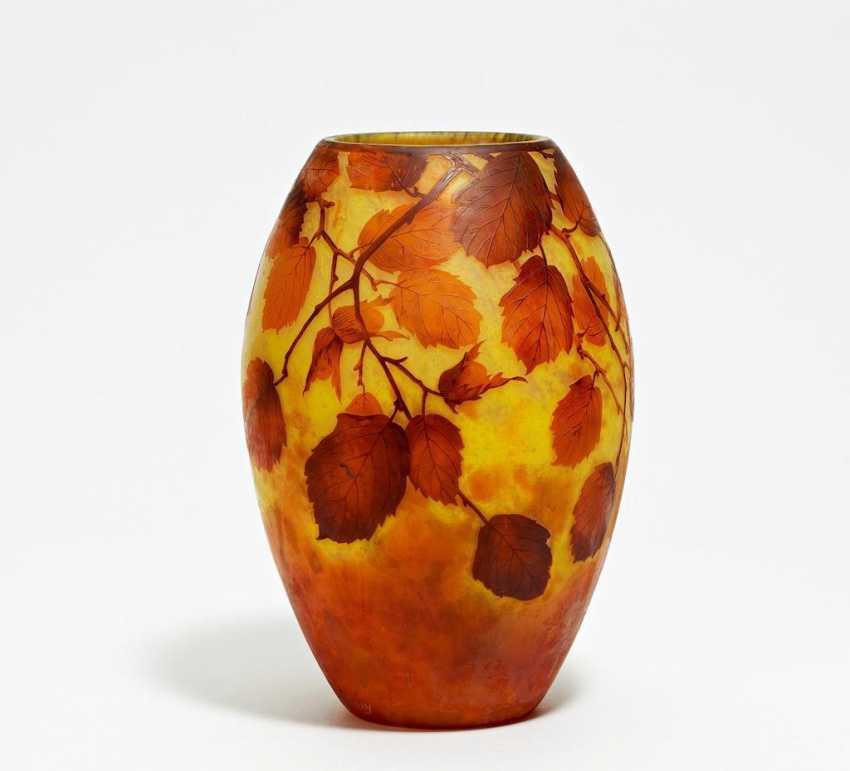 Large Vase with hazelnut branches - photo 1
