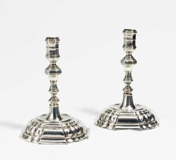 Pair of small candlesticks - photo 1