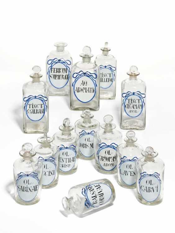 25 Apothekenflaschen mit blauem Schleifenband - Foto 1