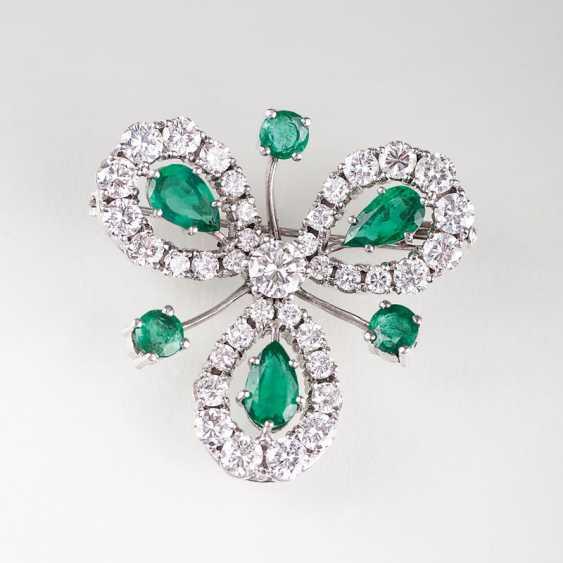 """Vintage emerald-brilliant-brooch in clover leaf shape"" - photo 1"