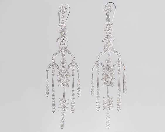 """""""Couple of top-class brilliant Chandeliers"""" - photo 1"""
