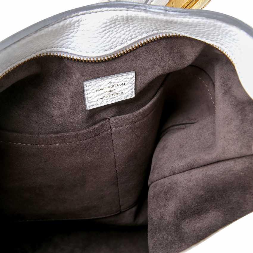 cd7ff58b58f90 Lot 92. LOUIS VUITTON shoulder bag