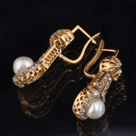 Gold earrings with diamonds and pearls - photo 2