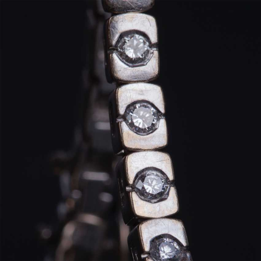 Gold jewelry with diamonds - photo 2