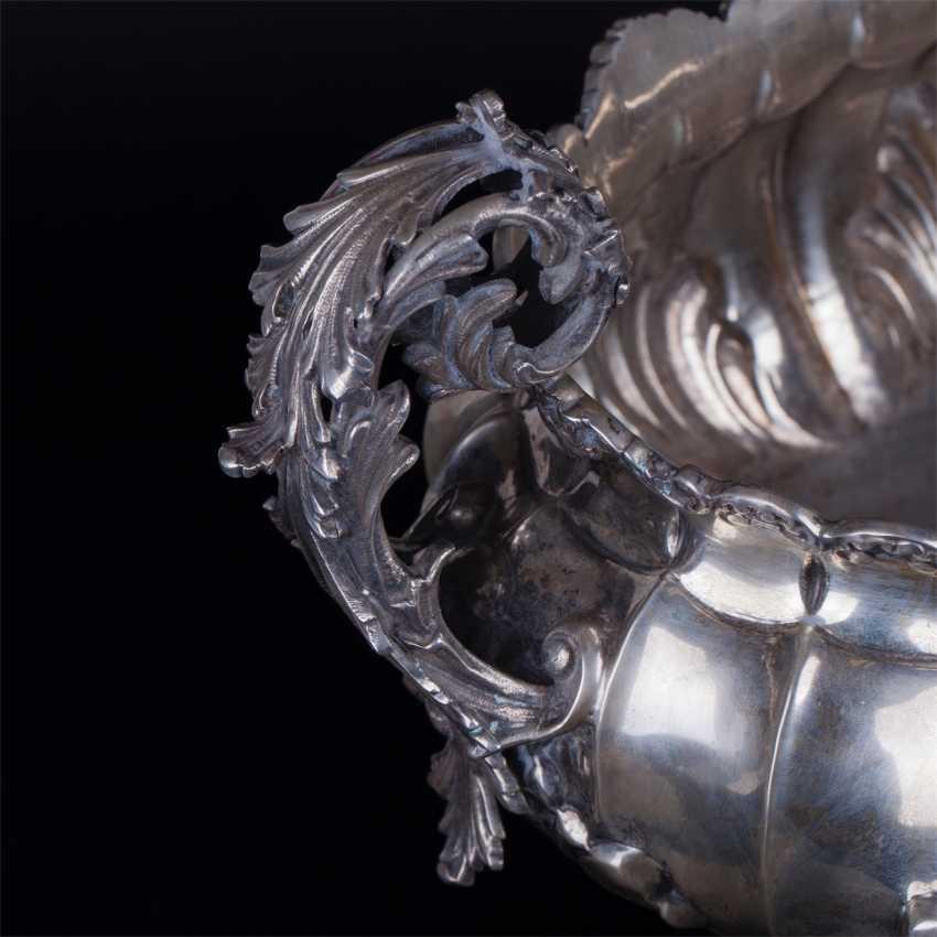 A massive silver bowl. Silver, 800. Italy - photo 2