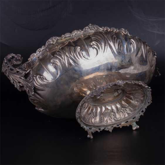 A massive silver bowl. Silver, 800. Italy - photo 3