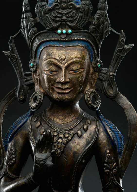 Large Bronze of the Amoghasiddi - photo 2