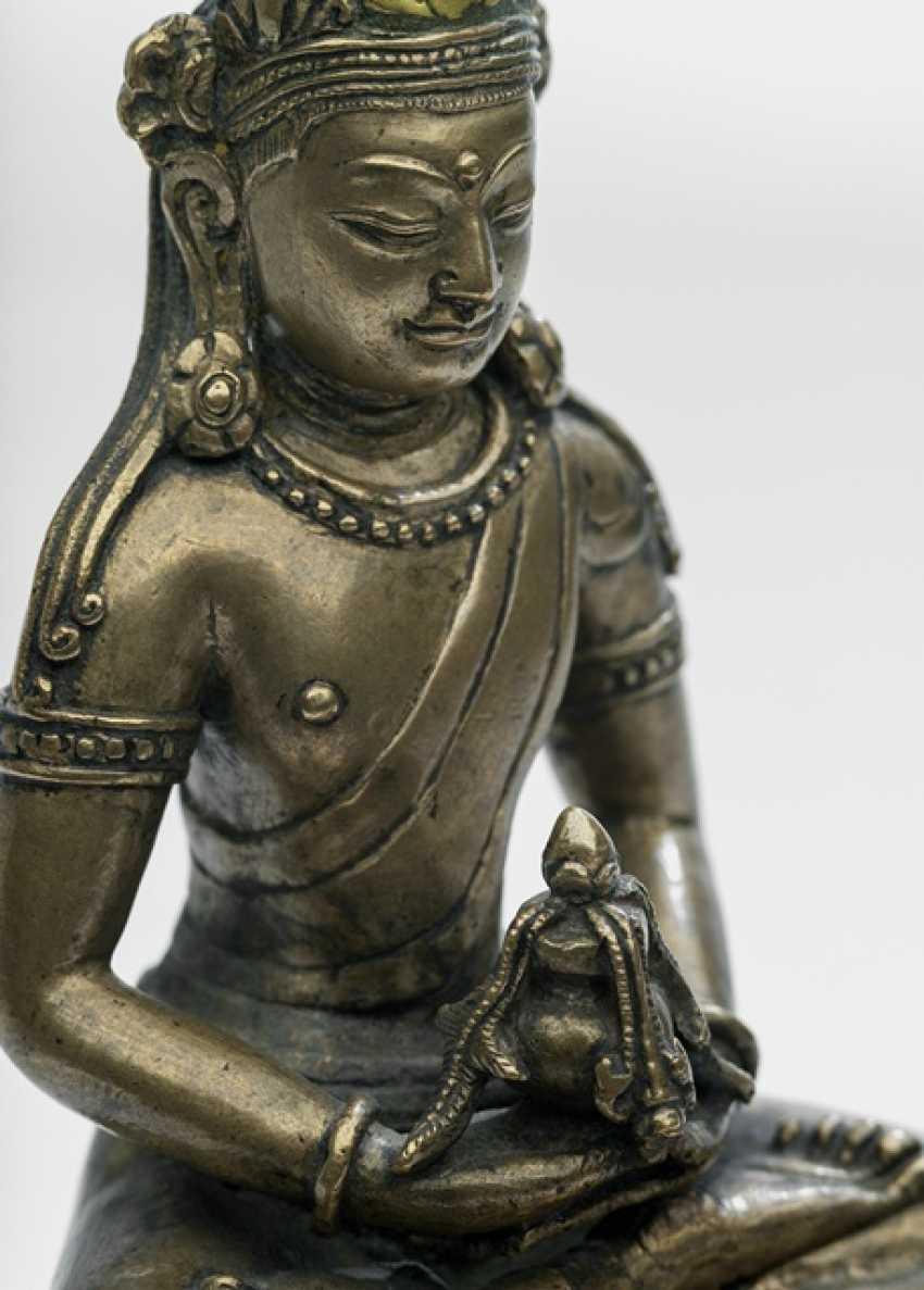 Rare Bronze of Amitayus on a Lotus - photo 2