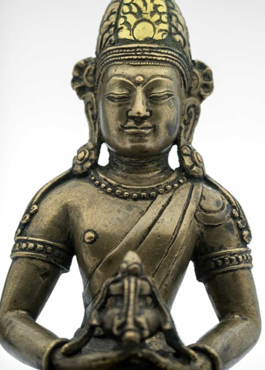 Rare Bronze of Amitayus on a Lotus - photo 3