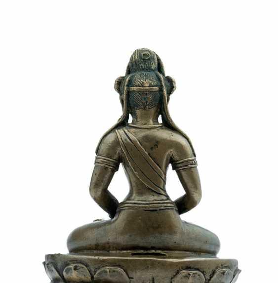 Rare Bronze of Amitayus on a Lotus - photo 4