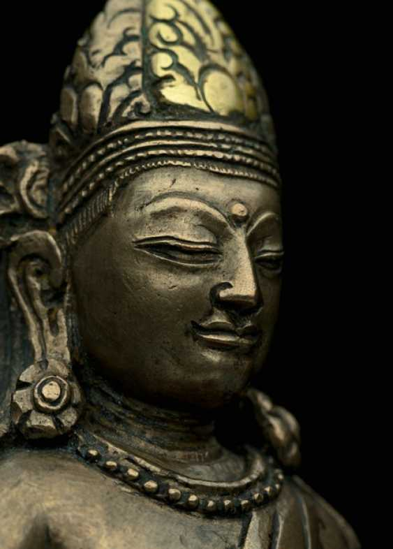 Rare Bronze of Amitayus on a Lotus - photo 6
