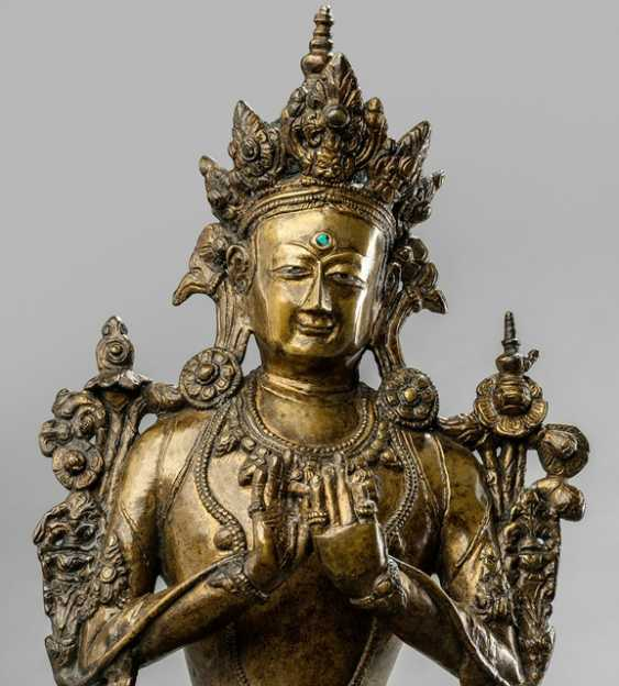 Bronze of Maitreya on a Pedestal sitting, in two Parts worked - photo 3