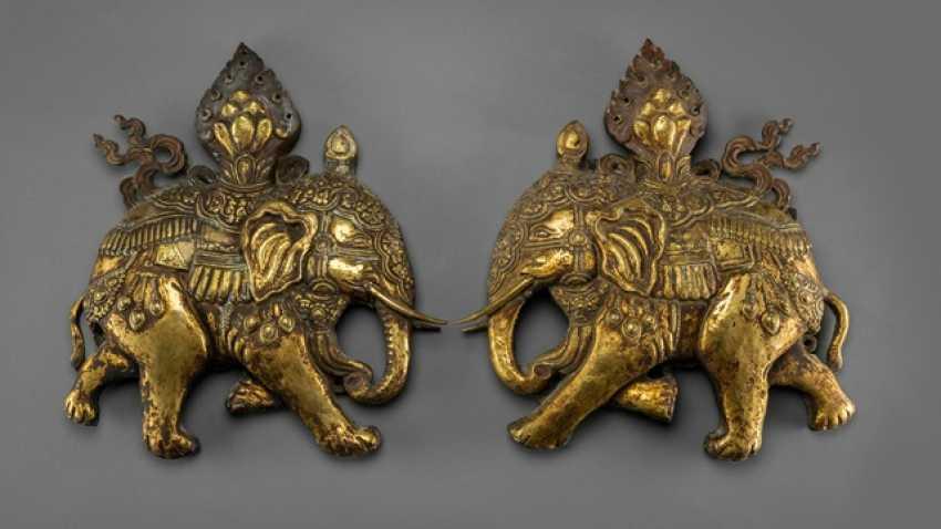 Pair of fine fire-gilded repoussé technology-models of caparisoned elephants - photo 1