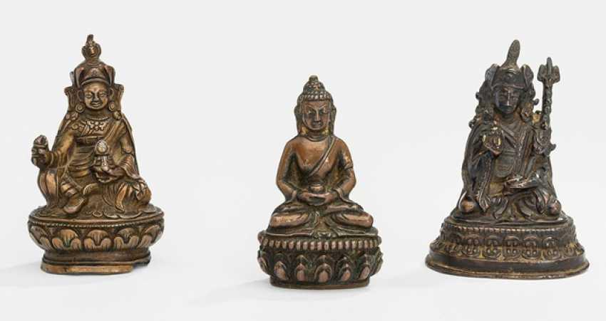Two bronzes of Padmasambhava and a Bronze of the Buddha Shakyamuni - photo 1