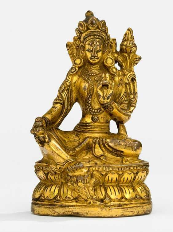 Fire-gilt Bronze Vasudhara - photo 1