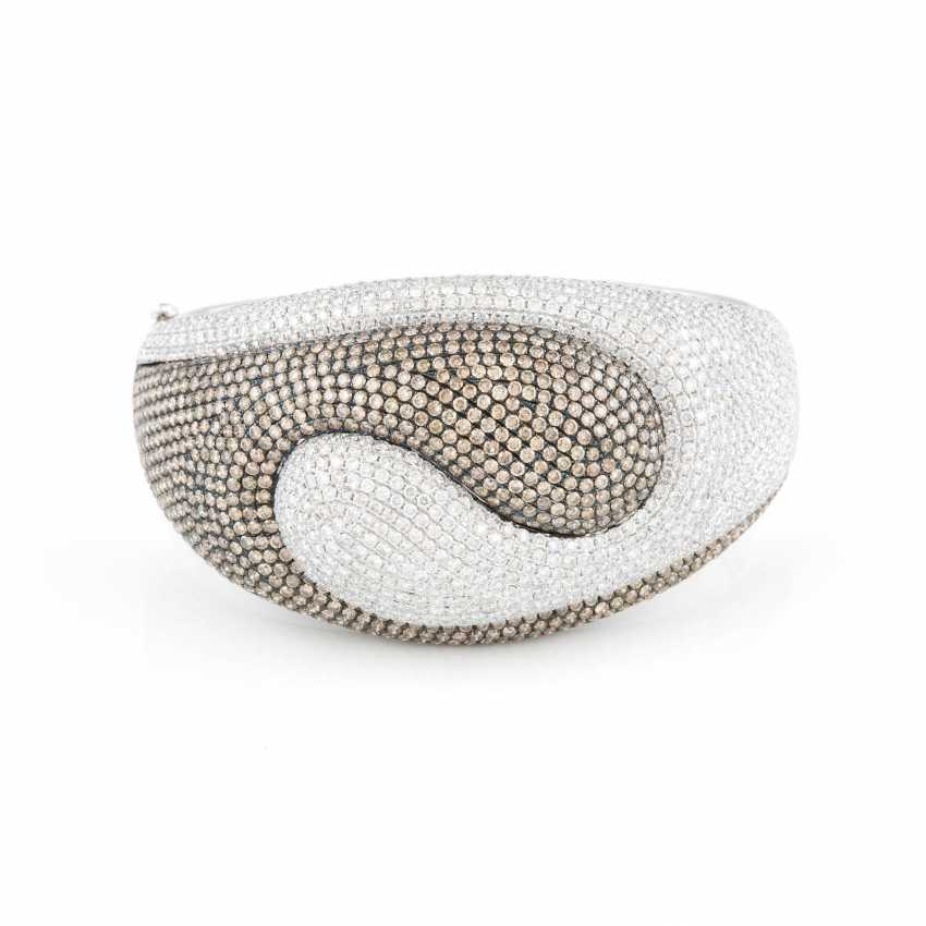 DESIGN BANGLE bracelet WITH diamonds white gold - photo 1