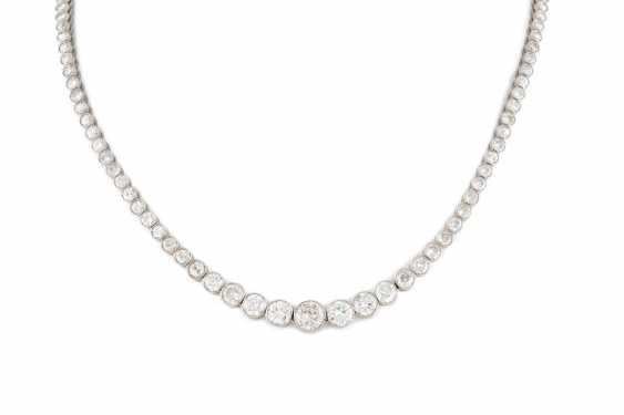 SIGNIFICANT BRILLIANT NECKLACE platinum (tested). - photo 1