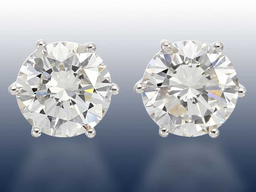 b2fe7aa25 Earrings: stud earrings with a very large, very valuable diamonds in the  upper quality