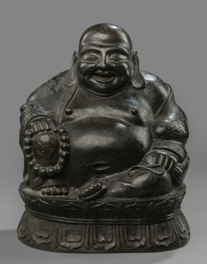 Large Bronze of Budai - photo 1