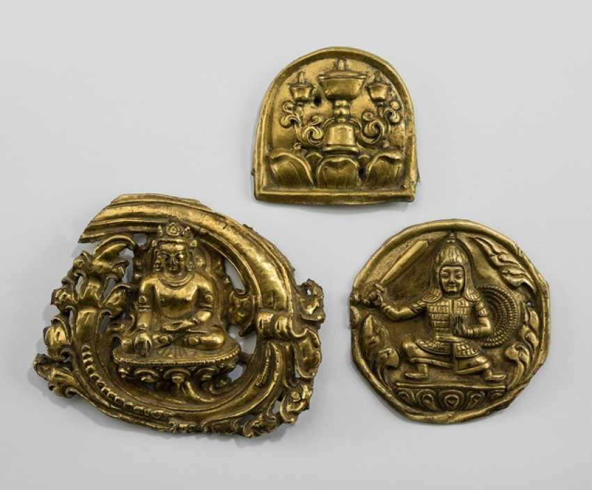 Three fire gilded relief plaques - photo 1