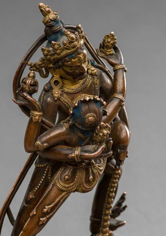 Rare Bronze sculpture of Jambhala with consort - photo 2