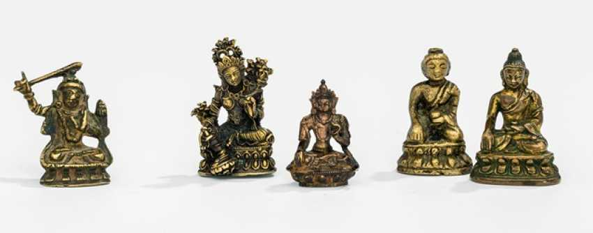 Five bronzes, including Syamatara, Manjushri, Shakyamuni Buddha and a Bodhisattva - photo 1