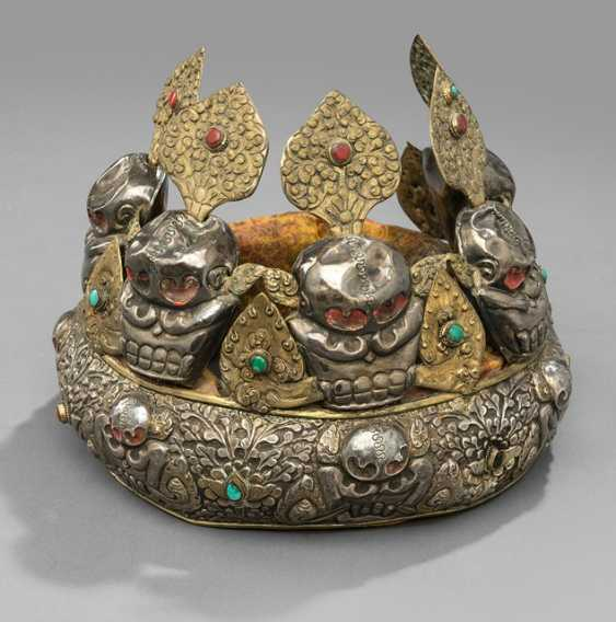 Tiara made of silver, copper and brass skulls, and stone trim - photo 1