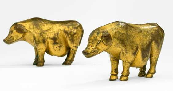 Pair of fire gilt boar of a Marici-group in copper bronze - photo 1