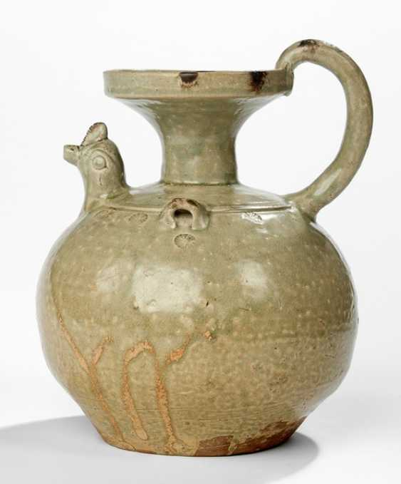Yueyao jar with Seldon-colored glaze, and chicken head spout - photo 1