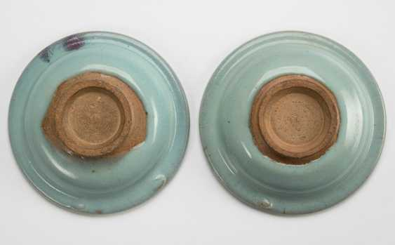 Two small 'Junyao'-plate with a violet stain - photo 2