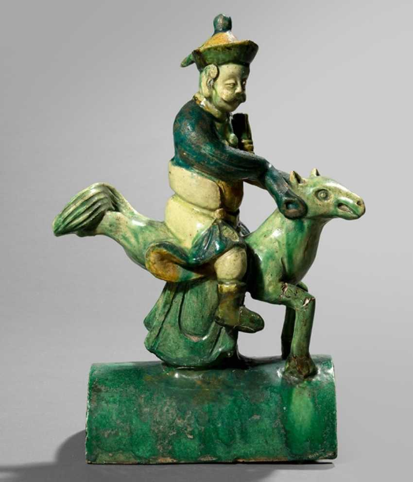 'Sancai'-colors of glazed roof riders from Earthenware with a mythical beast and rider - photo 1