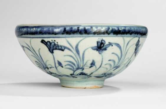 Under-glaze blue decorated bowl with inverted rim - photo 1