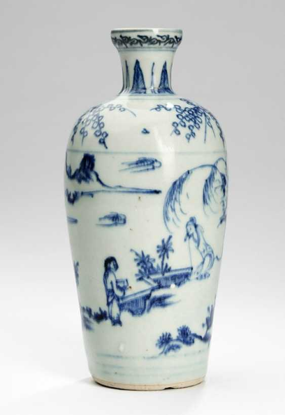 Small shoulder vase with decor of a taught garden landscape - photo 1