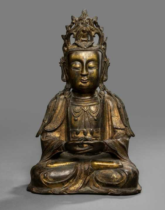 Partially fire-gilded Bronze of Guanyin in meditation seat - photo 1