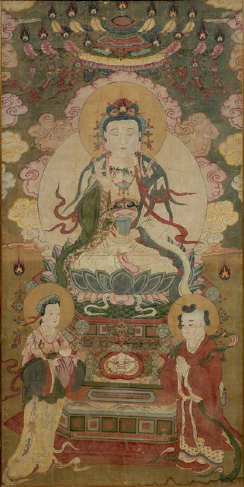 Votive images of opulently attired Bodhisattva Guanyin with Worshipping - photo 1