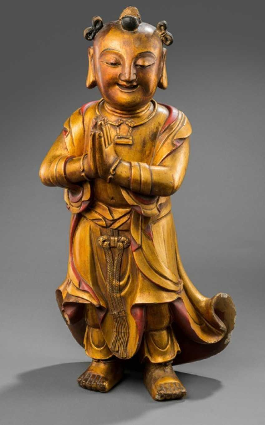 Lacquer gilt wood figure of Shancai tongzi - photo 1